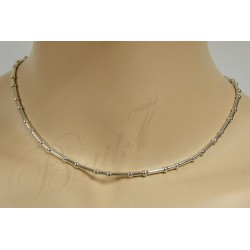 Zmysłowy srebrny naszyjnik