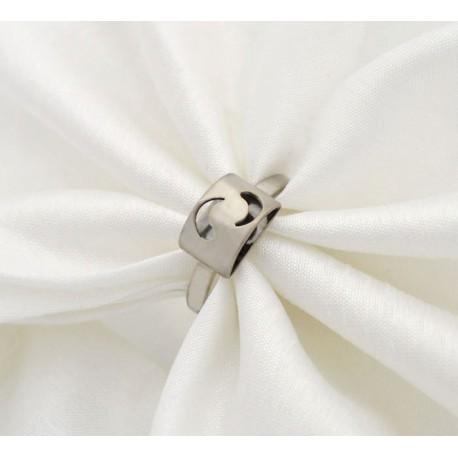 Stylizowany srebrny pierścionek