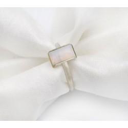 Srebrny pierścionek z anielskim kwarcem